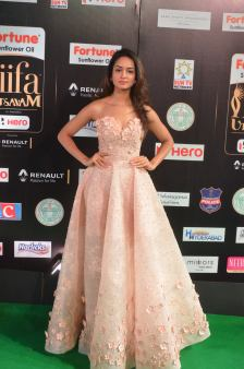 shanvi srivatsav hot at iifa awards 2017 DSC_17520803
