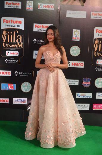 shanvi srivatsav hot at iifa awards 2017 DSC_17610812