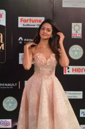 shanvi srivatsav hot at iifa awards 2017 DSC_17720823