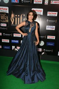 shriya saran hot at iifa awards 2017MGK_14240002