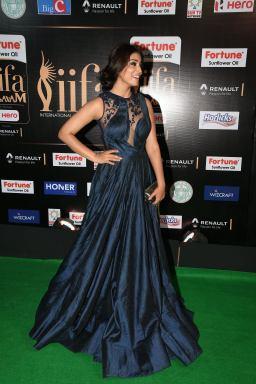 shriya saran hot at iifa awards 2017MGK_14300008