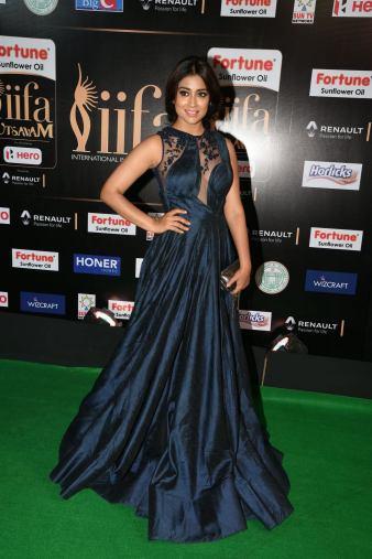 shriya saran hot at iifa awards 2017MGK_14320010