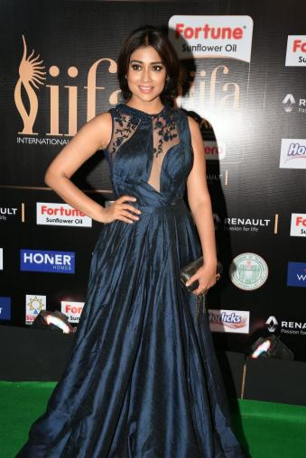 shriya saran hot at iifa awards 2017MGK_14340012