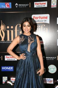 shriya saran hot at iifa awards 2017MGK_14360014