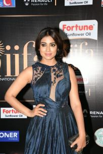 shriya saran hot at iifa awards 2017MGK_14380016