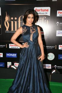 shriya saran hot at iifa awards 2017MGK_14430021