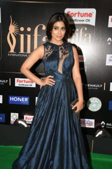 shriya saran hot at iifa awards 2017MGK_14490027