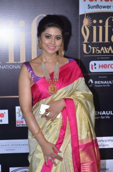 sneha in saree at iifa awards 2017DSC_68800044