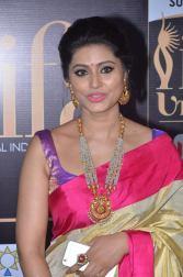 sneha in saree at iifa awards 2017DSC_68880052