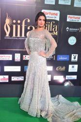 sonal chauhan hot at iifa awards 201724