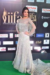sonal chauhan hot at iifa awards 201727