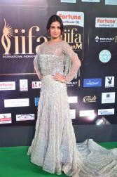 sonal chauhan hot at iifa awards 201742