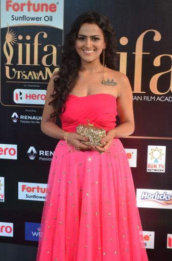 sredha hot at iifa awards 2017DSC_83560006