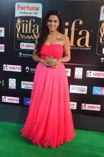 sredha hot at iifa awards 2017DSC_83930043