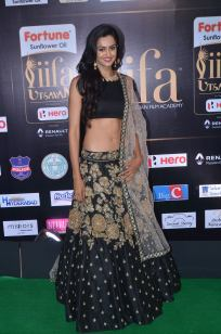 subra ayyappa hot at iifa awards 2017DSC_63390053
