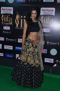 subra ayyappa hot at iifa awards 2017DSC_63850099