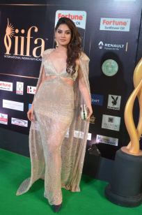 tanya hope hot at iifa 201734