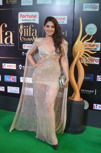 tanya hope hot at iifa 201769