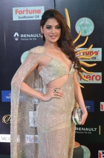 tanya hope hot at iifa 201793