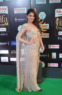 tanya hope hot at iifa 201797