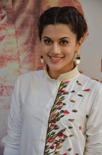 tapsee at name shabhana promotion press meetHAR_32480013