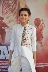 tapsee at name shabhana promotion press meetHAR_32670032