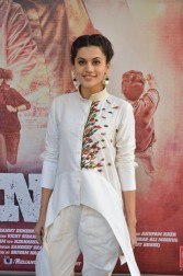 tapsee at name shabhana promotion press meetHAR_32710036