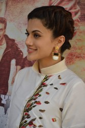 tapsee at name shabhana promotion press meetHAR_33330098
