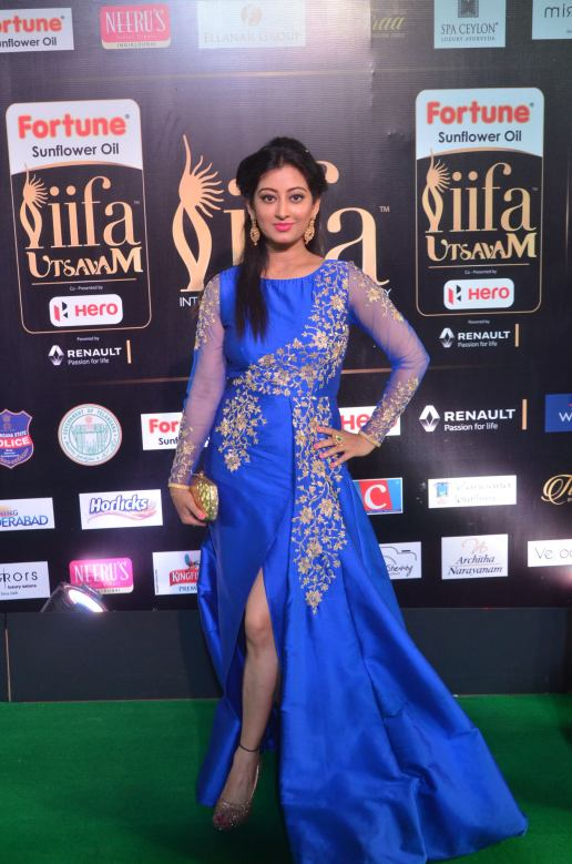 tejaswi hot at iifa 20176