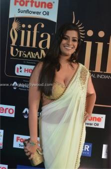 varalakshmi sarathkumar hot at iifa awards 2017DSC_81870013_wm