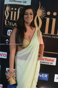 varalakshmi sarathkumar hot at iifa awards 2017DSC_82060032_wm