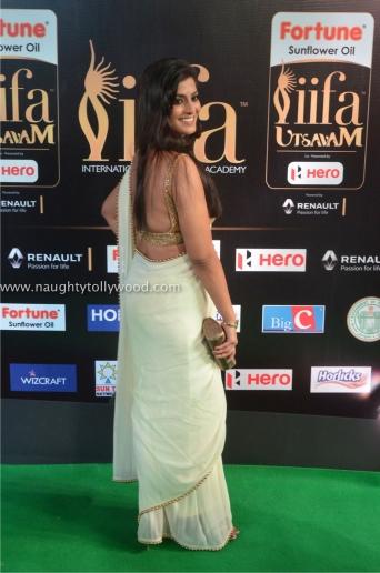 varalakshmi sarathkumar hot at iifa awards 2017DSC_82400066_wm