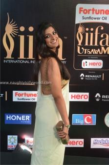 varalakshmi sarathkumar hot at iifa awards 2017DSC_82430069_wm