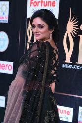 vimala raman hot at iifa awards 201712