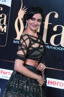 vimala raman hot at iifa awards 201716