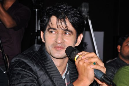 Actor Hiten Tejwani at the finale of 'ARF Mrs. India 2017' Beauty Pageant was held at Sahara Star, Mumbai.1