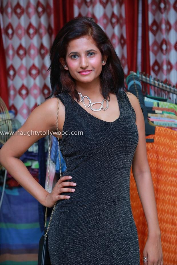 actress sravani hot 201700022_wm