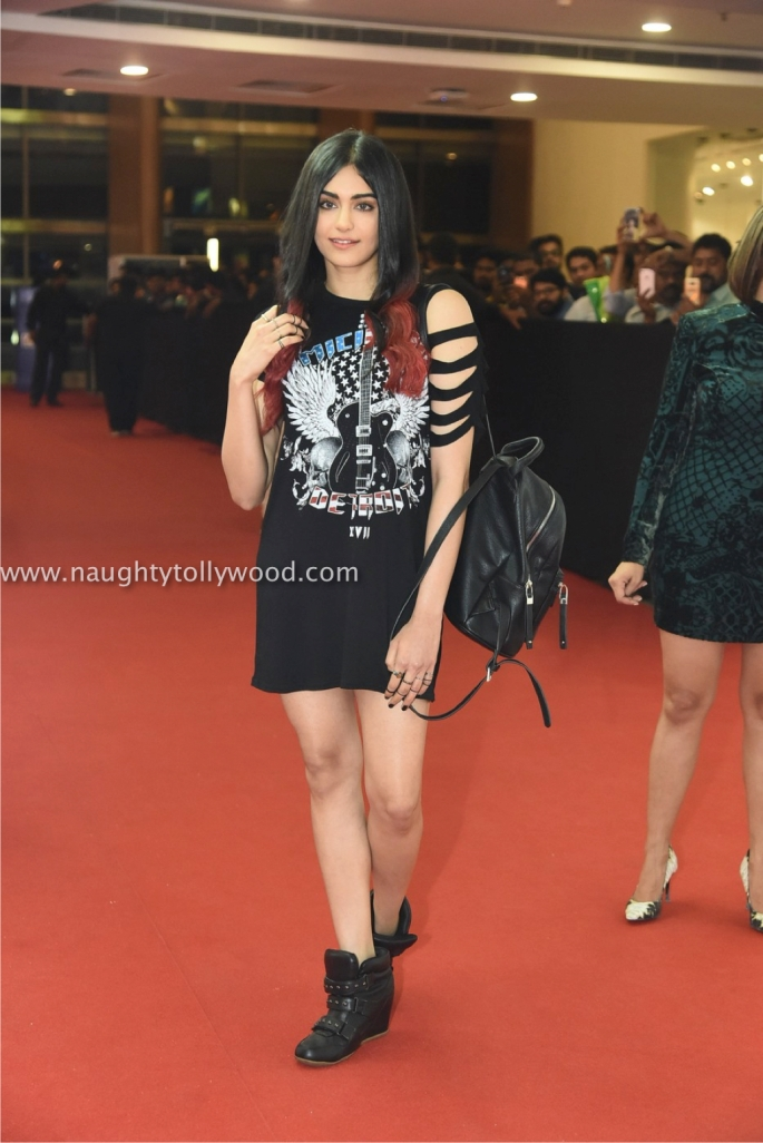 adah sharma hot at H&M store00022_wm