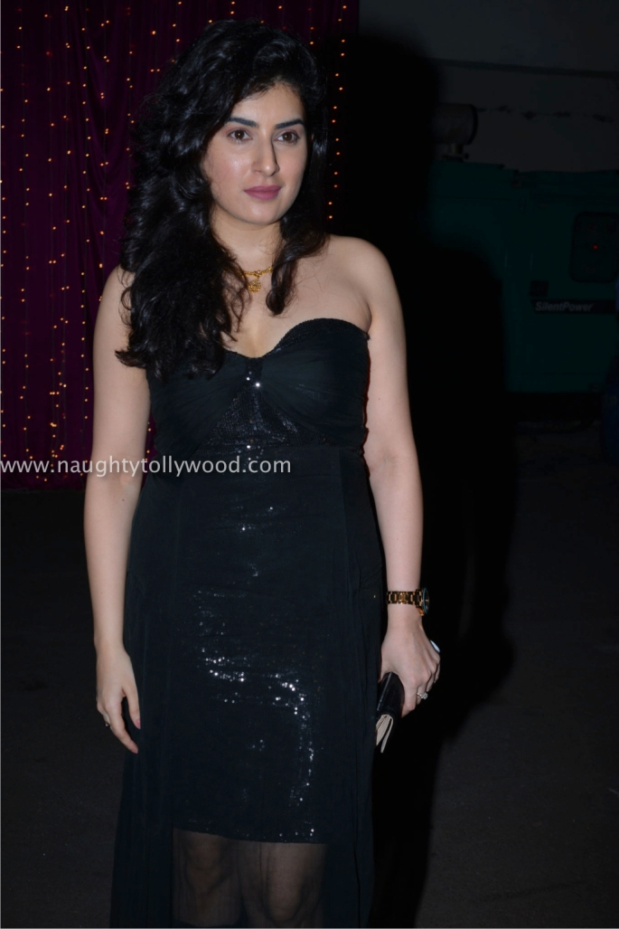 archana hot at zee apsara awards00001_wm