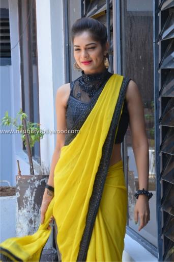 aswini hot in yellow saree 2017Aswini (110)_wm