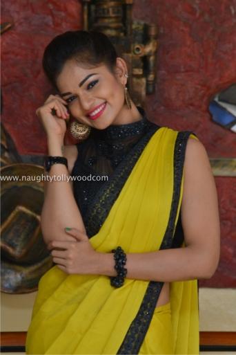 aswini hot in yellow saree 2017Aswini (177)_wm