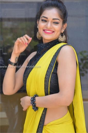 aswini hot in yellow saree 2017Aswini (7)_wm