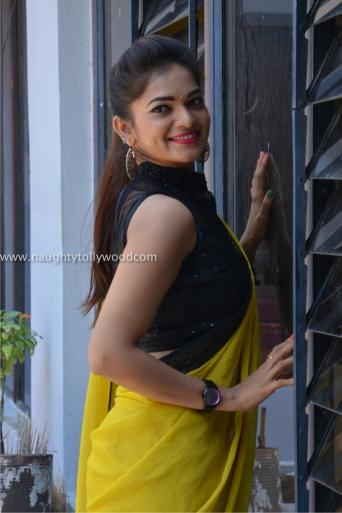 aswini hot in yellow saree 2017Aswini (95)_wm