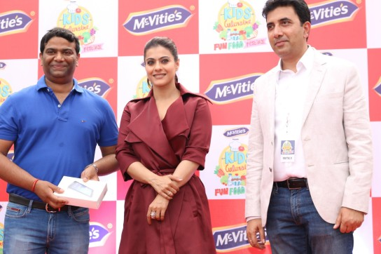 kajol launches mcvites IMG_2004