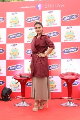 kajol launches mcvites IMG_2038