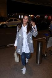 neha dhupia spooted at airport IMG_3528