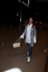 neha dhupia spooted at airport IMG_3534