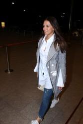 neha dhupia spooted at airport IMG_3539