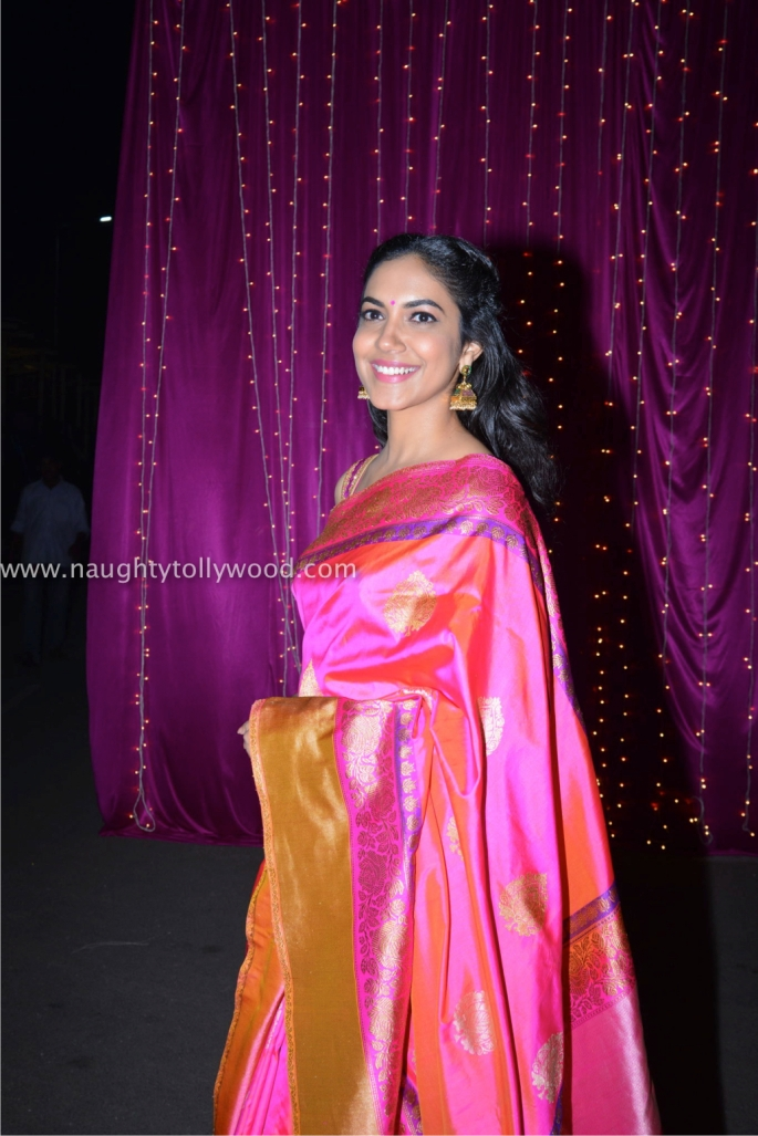 ritu varma hot at zee apsara awards00001_wm