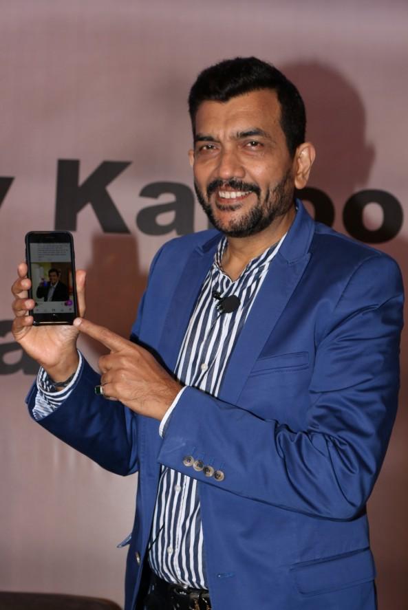 sanjiv kapoor mobile app launchIMG_1251